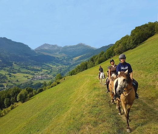 balade à cheval, montagne de valmorel, Stage Club Faistesvacances