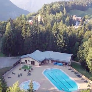 Valmorel-Doucy. La piscine. Le village club aux 300 stages faistesvacances